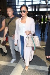 Demi Lovato Travel Outfit - LAX 9/28/2016