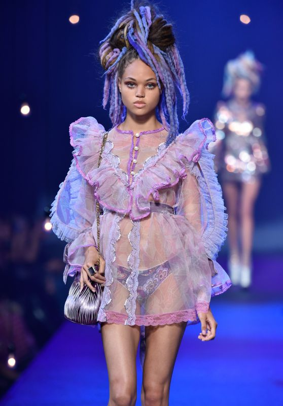 Dilia Martens - Marc Jacobs Spring/Summer 2017 Show in NYC 9/15/2016