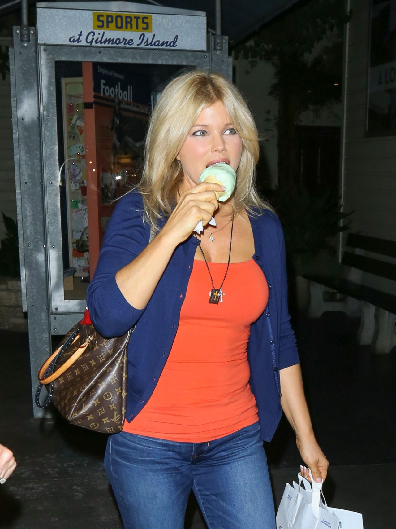 Donna D Errico Casual Style Shopping At The Grove In Los