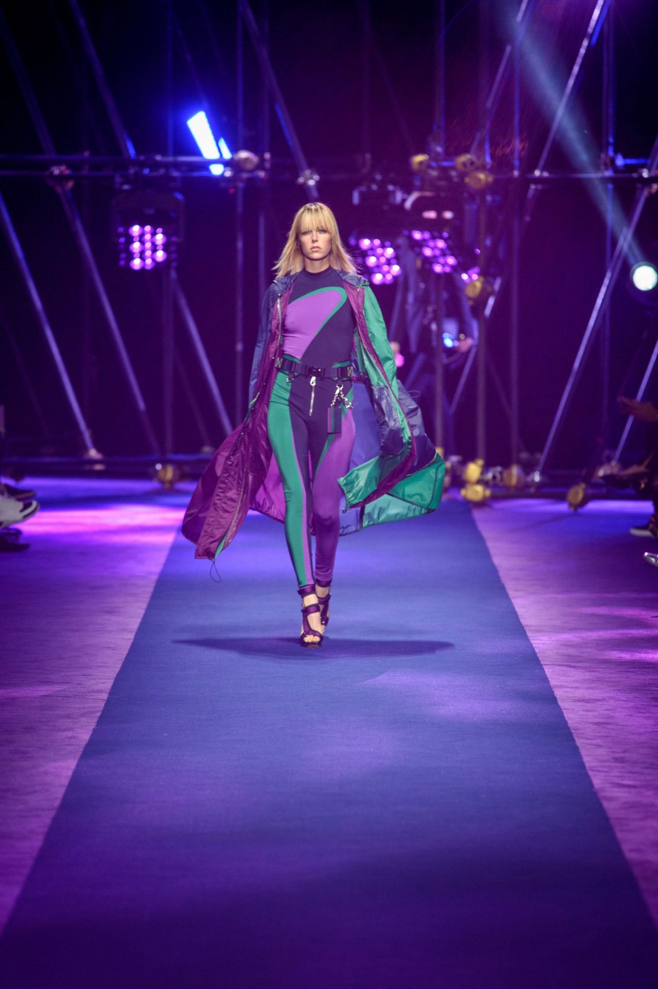 Edie campbell versace s s 2017 show in milan september 2016 for Milan show 2016