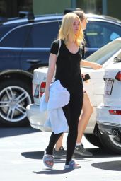 Elle Fanning Gym Style - Studio City 9/11/2016
