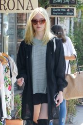 Elle Fanning Urban Outfit - Los Angeles 9/8/2016
