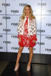 Ellie Goulding - Fendi S/S 2017 Show in Milan, September 2016