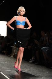 Elsa Hosk - Jeremy Scott Fashion Show - NYFW 09/12/2016