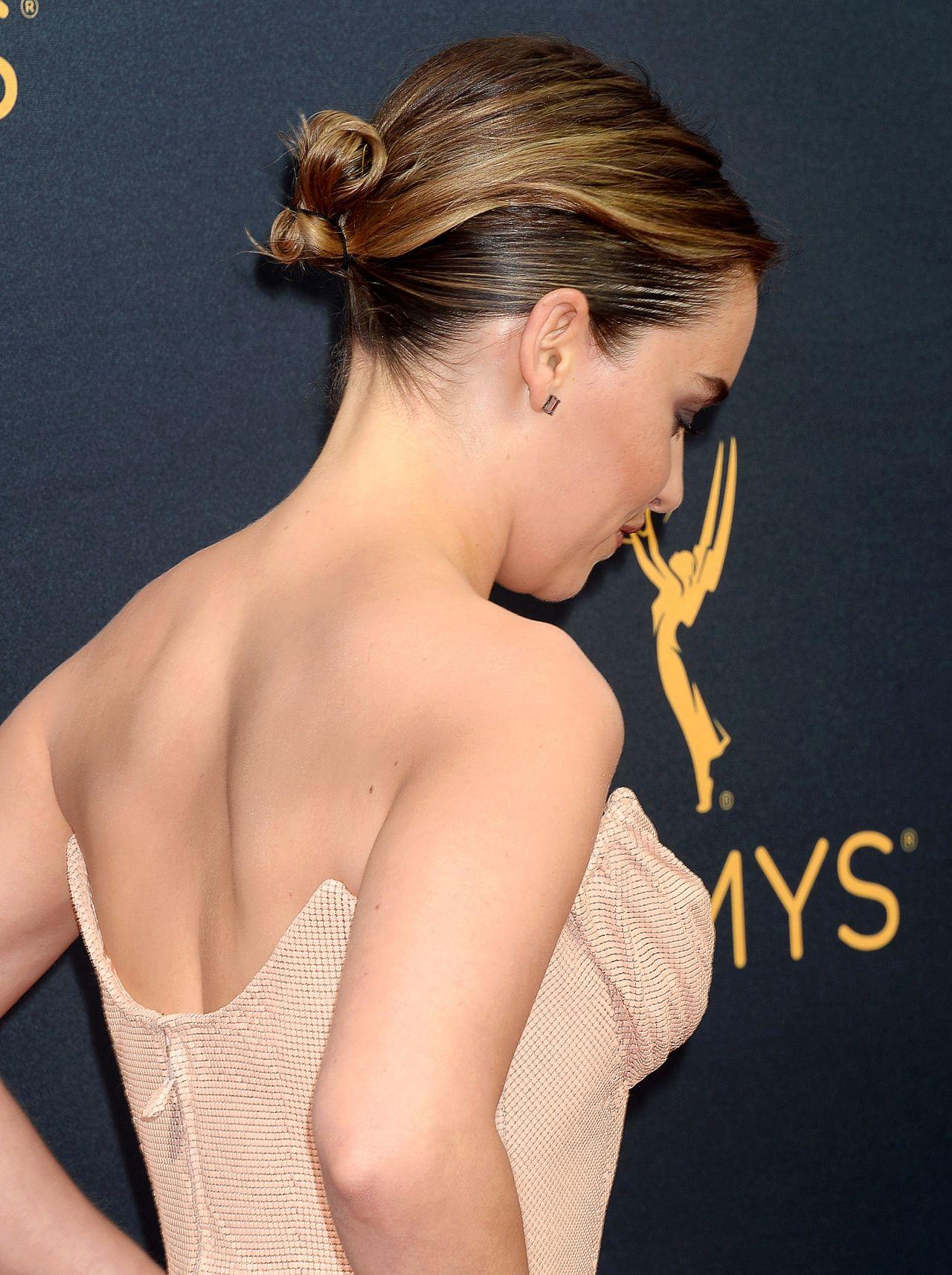 10 best photoshoots of Emilia Clarke aka Daenerys from