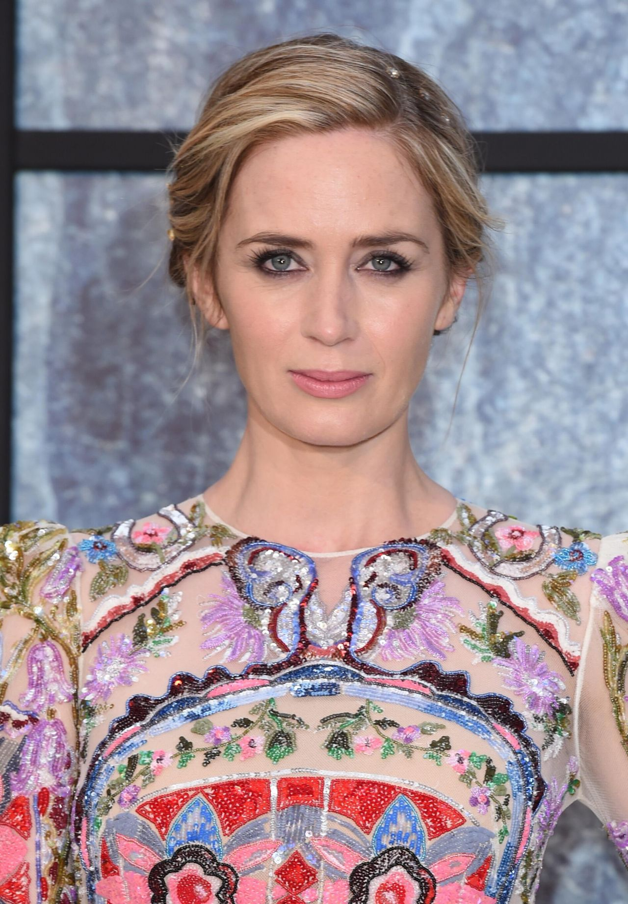 Emily Blunt - 'The Girl on the Train' Premiere in London 9/20/2016 Emily Blunt
