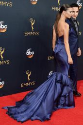 Emily Ratajkowski – 68th Annual Emmy Awards in Los Angeles 09/18/2016