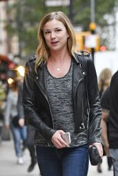 Emily VanCamp - Out in Tribeca in New York City 09/26/2016