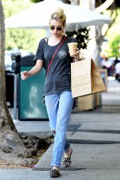 Emma Roberts Street Style - Picks up Breakfast From Larchmont Village in LA 9/21/2016
