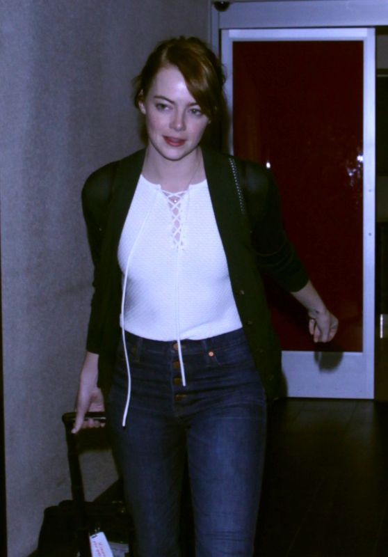 Emma Stone at LAX Airport, September 2016