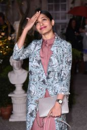 Freida Pinto - Burberry Show - London Fashion Week 9/19/2016