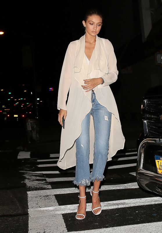 Gigi Hadid Arrives to Dinner in NYC 9/4/2016