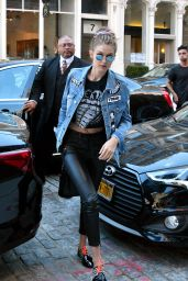 Gigi Hadid at Her Apartment in NYC 9/15/2016