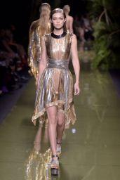 Gigi Hadid - Balmain Show - Paris Fashion Week 9/29/ 2016