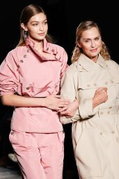 Gigi Hadid - Bottega Veneta S/S 2017 Show in Milan, September 2016