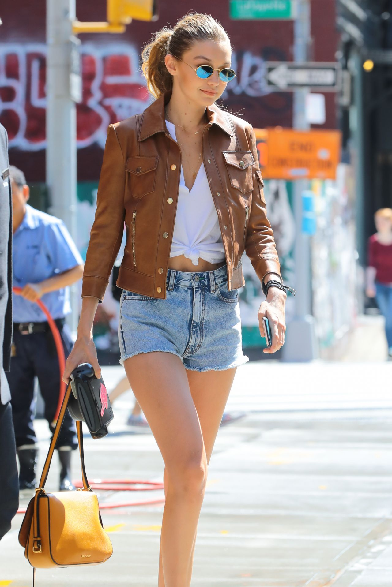 Gigi Hadid In Jeans Shorts Nyc 9 4 2016
