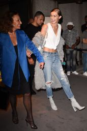 Gigi Hadid – Tom Ford Fashion Show – New York Fashion Week, 9/7/2016