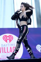 Hailee Steinfeld Performing at iHeartRadio Music Festival Daytime Village at The Lot in Las Vegas 09/24/ 2016