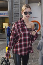 Hailey Baldwin is Stylish - Shopping in Milan, Italy 9/23/2016