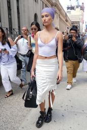 Hailey Baldwin Urban Outfit - Out in NYC 9/12/2016