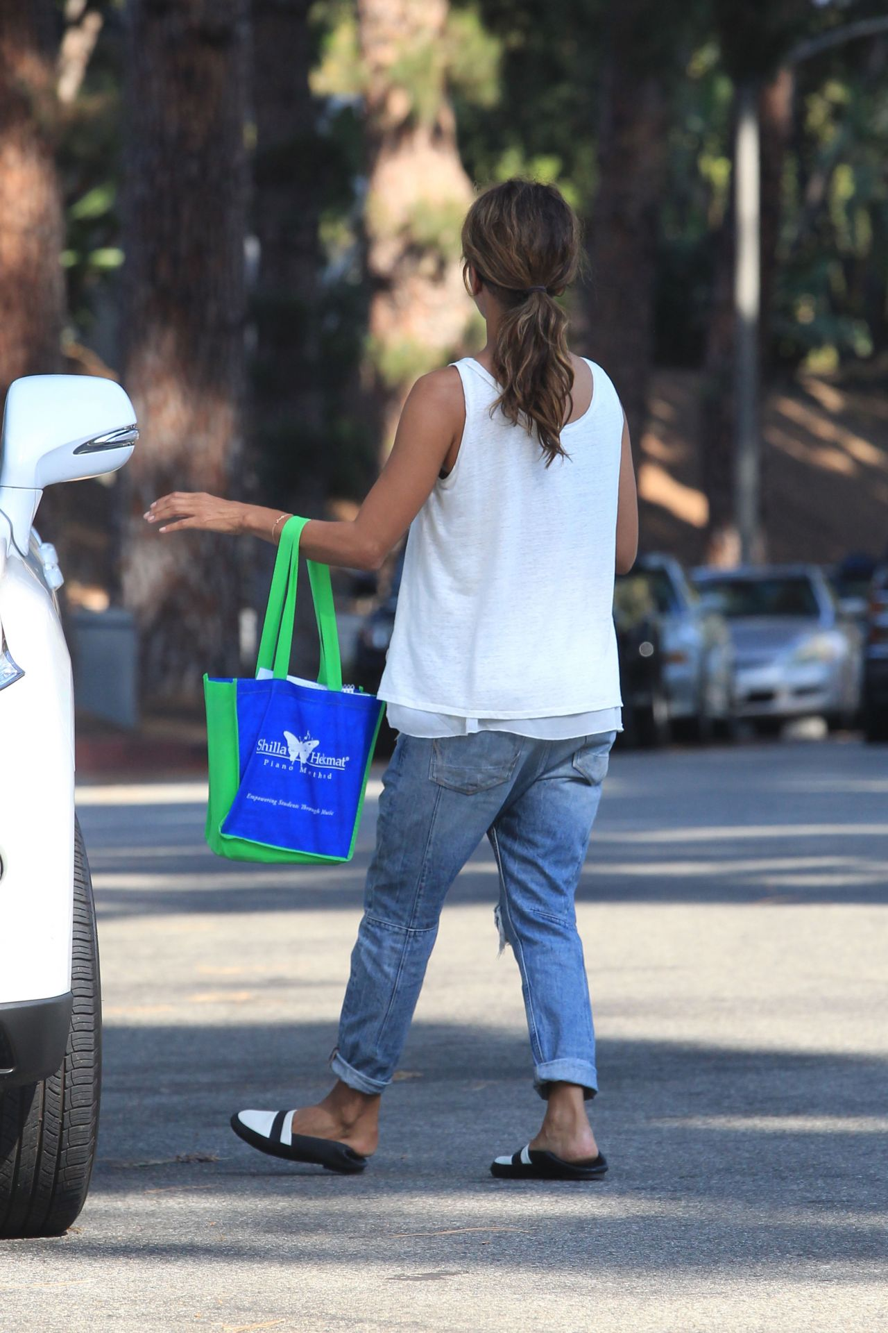 Halle Berry Street Style Beverly Hills 9 21 2016
