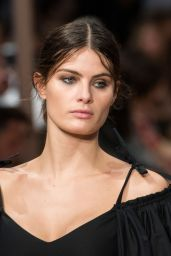 Isabeli Fontana - Alberta Ferretti Show at Milan Fashion Week, September 2016