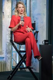 January Jones - AOL Build Series - The Last Man on Earth in New York City 9/28/2016