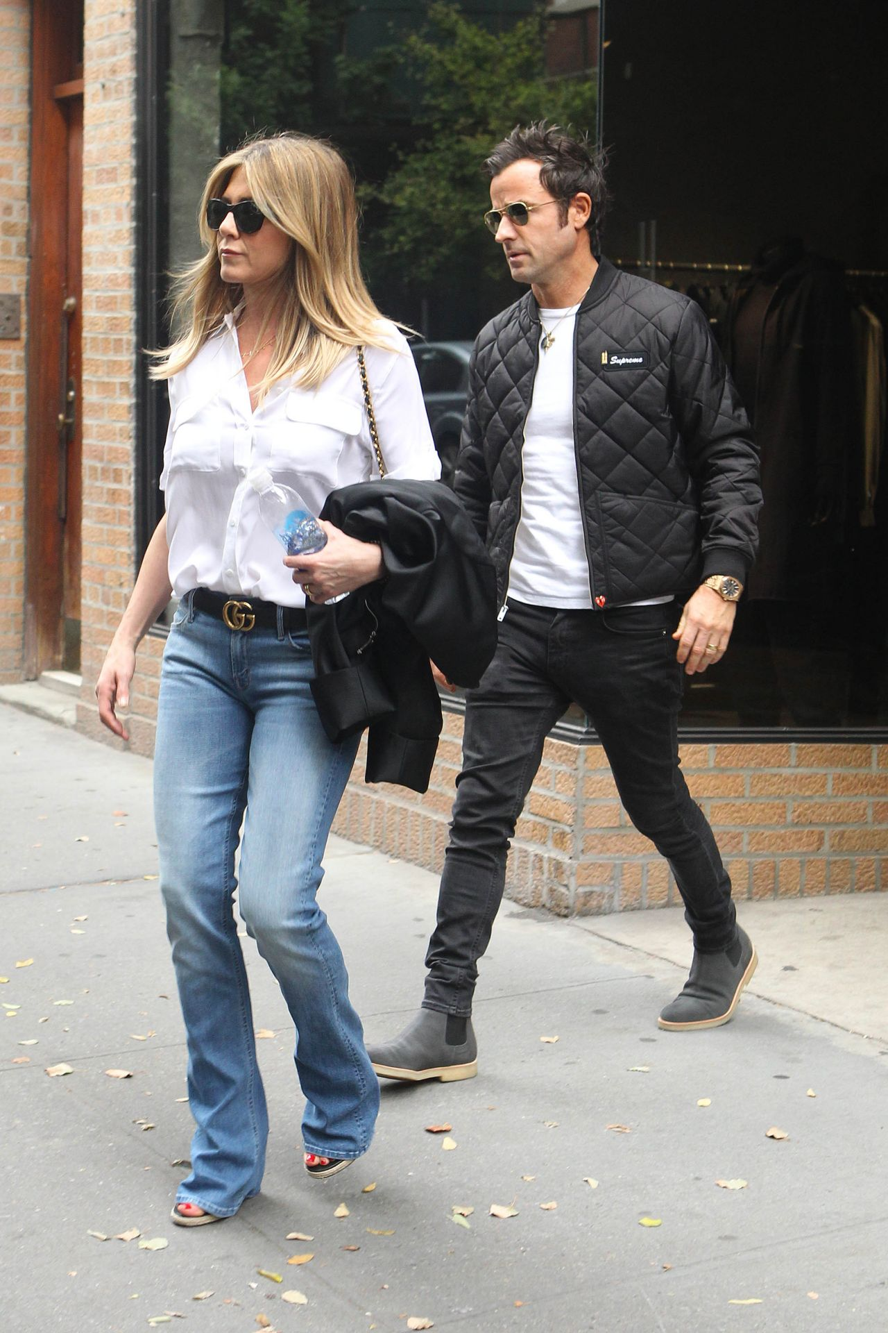 e533e2bbfe Jennifer Aniston Casual Style - Shopping in NYC 9/28/ 2016