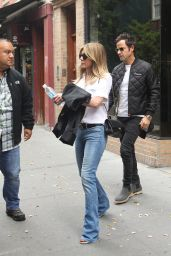Jennifer Aniston Casual Style - Shopping in NYC 9/28/ 2016