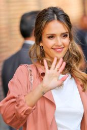 Jessica Alba - Leaving