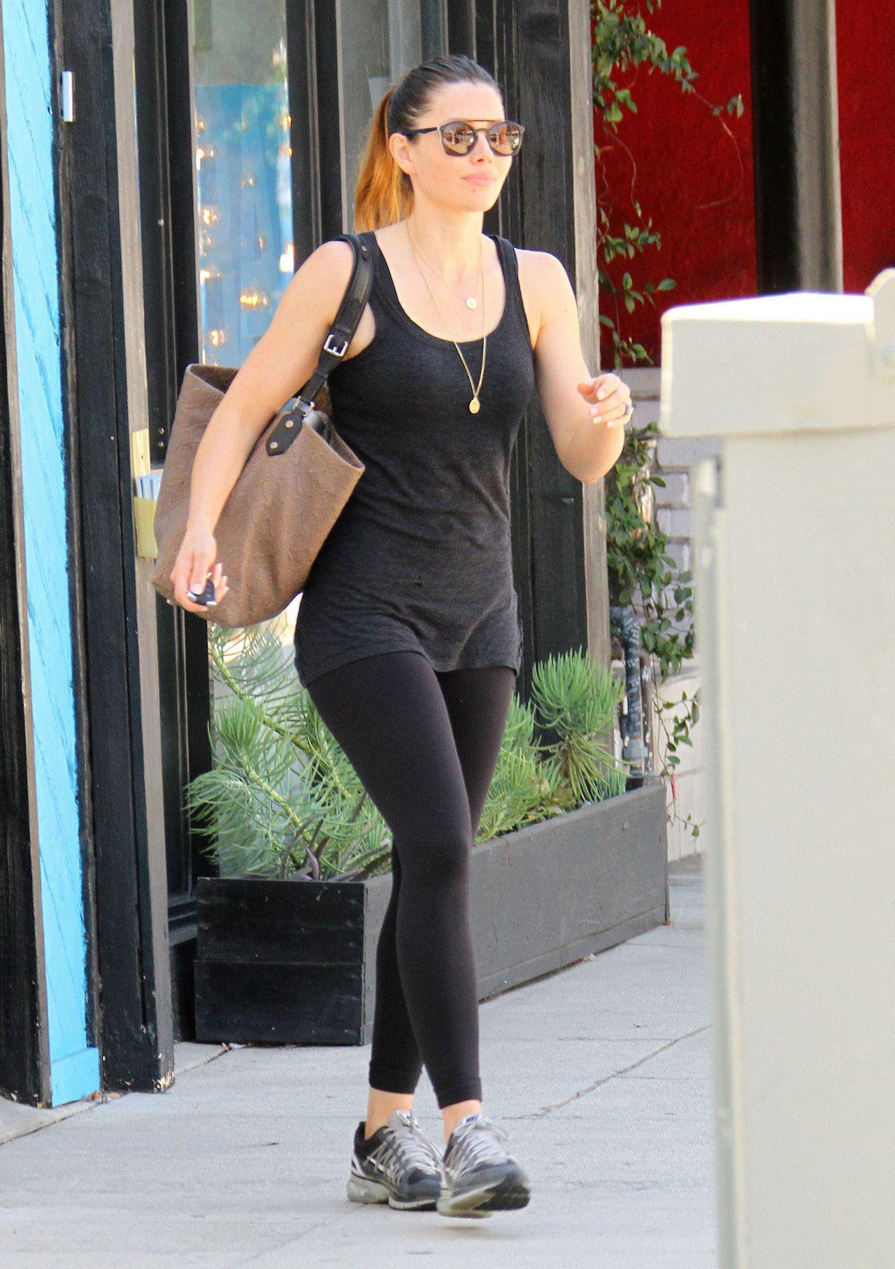 Jessica Biel In Tights At Pilates Class In Studio City 9