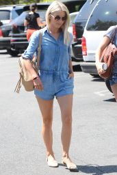 Julianne Hough Street Style - Running Errands in LA 9/5/2016