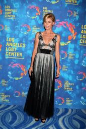 Julie Bowen – Los Angeles LGBT Center's Gala Vanguard Awards in West Hollywood 9/24/ 2016