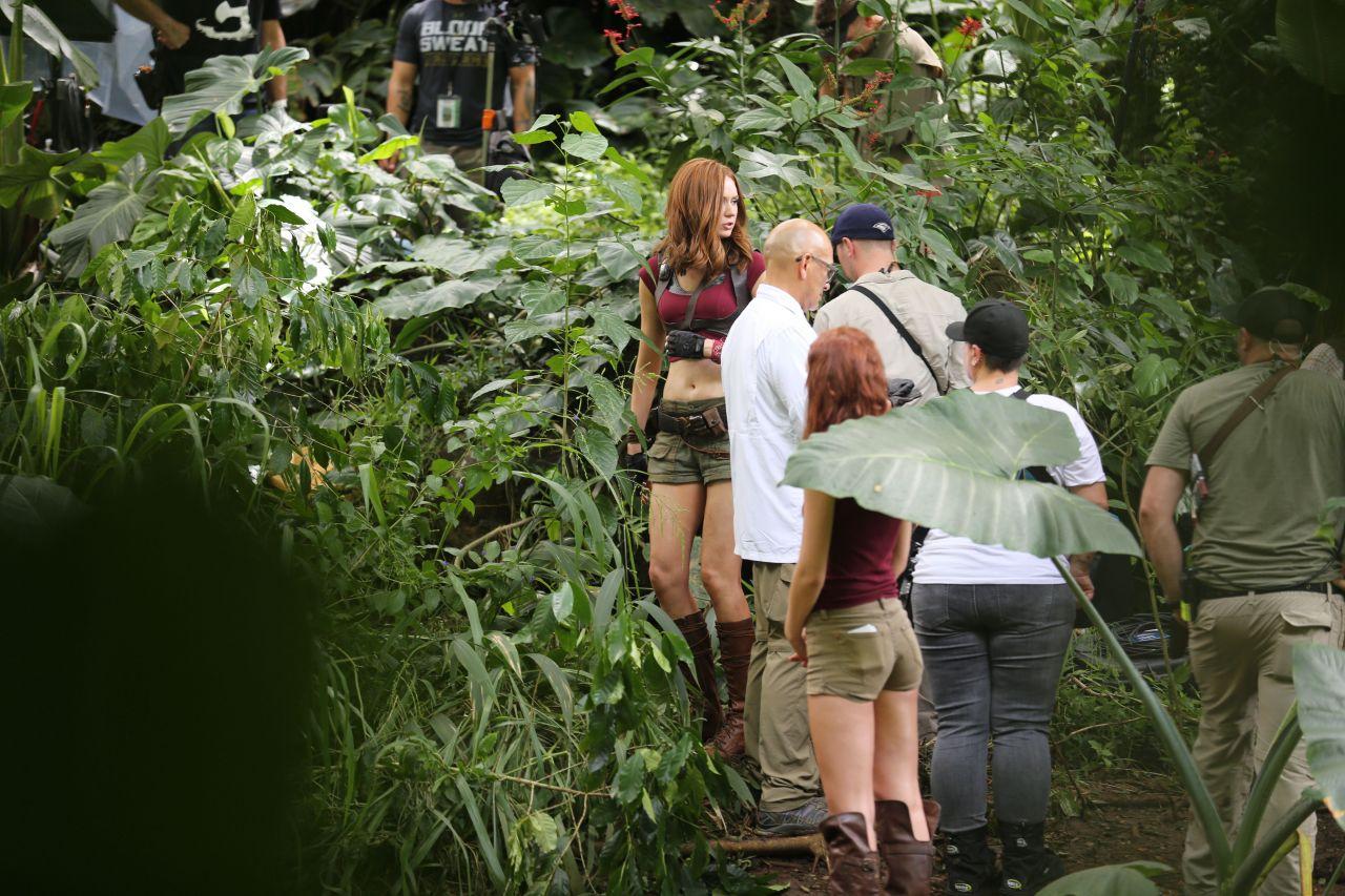 Karen Gillan Filming Jumanji In Honolulu 9 20 2016