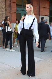 Karolina Kurkova Style Inspiration - New York City 09/12/2016