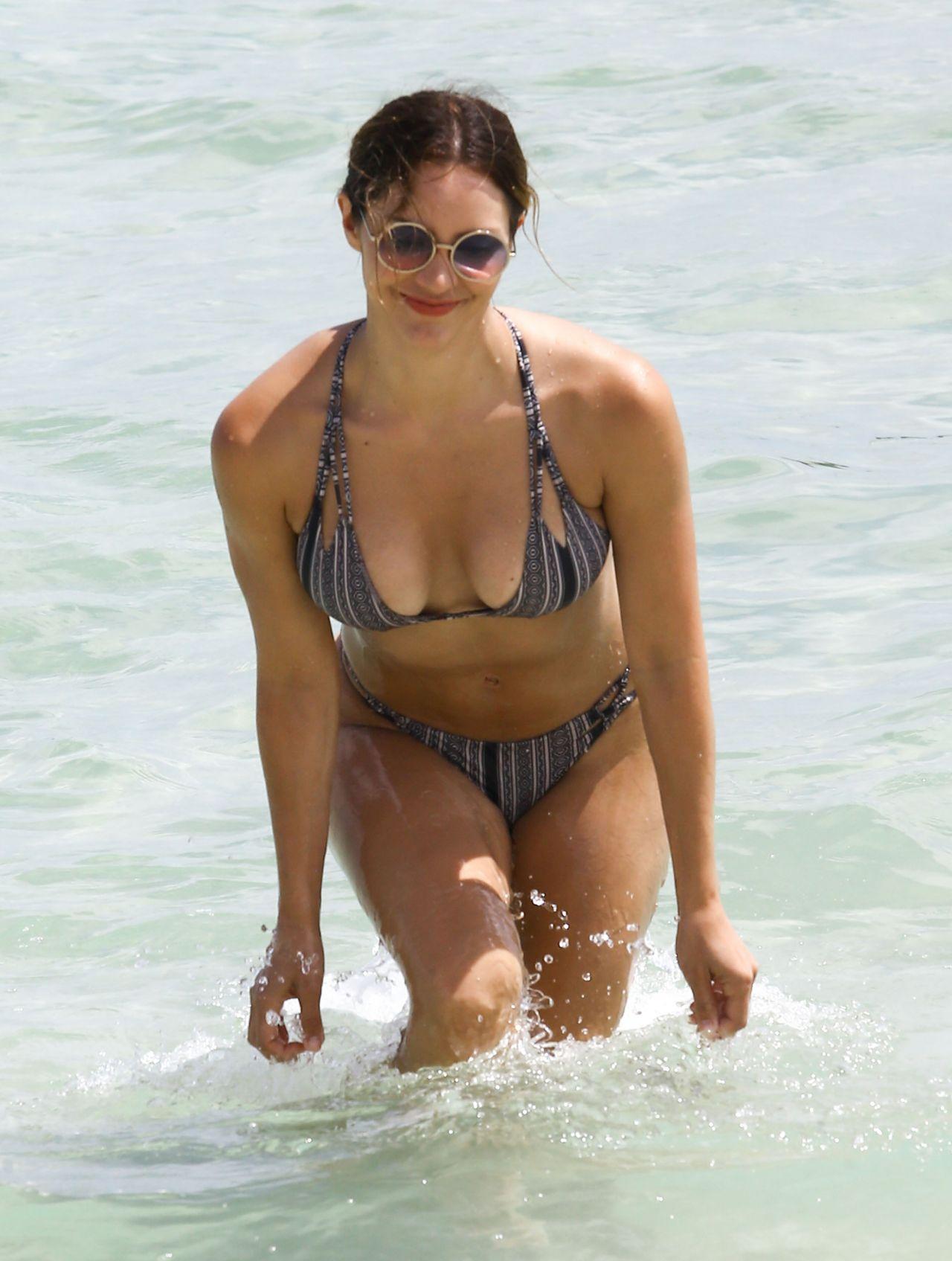 Flea Market Miami >> Katharine McPhee Bikini Pics - Miami Beach - September 25 ...