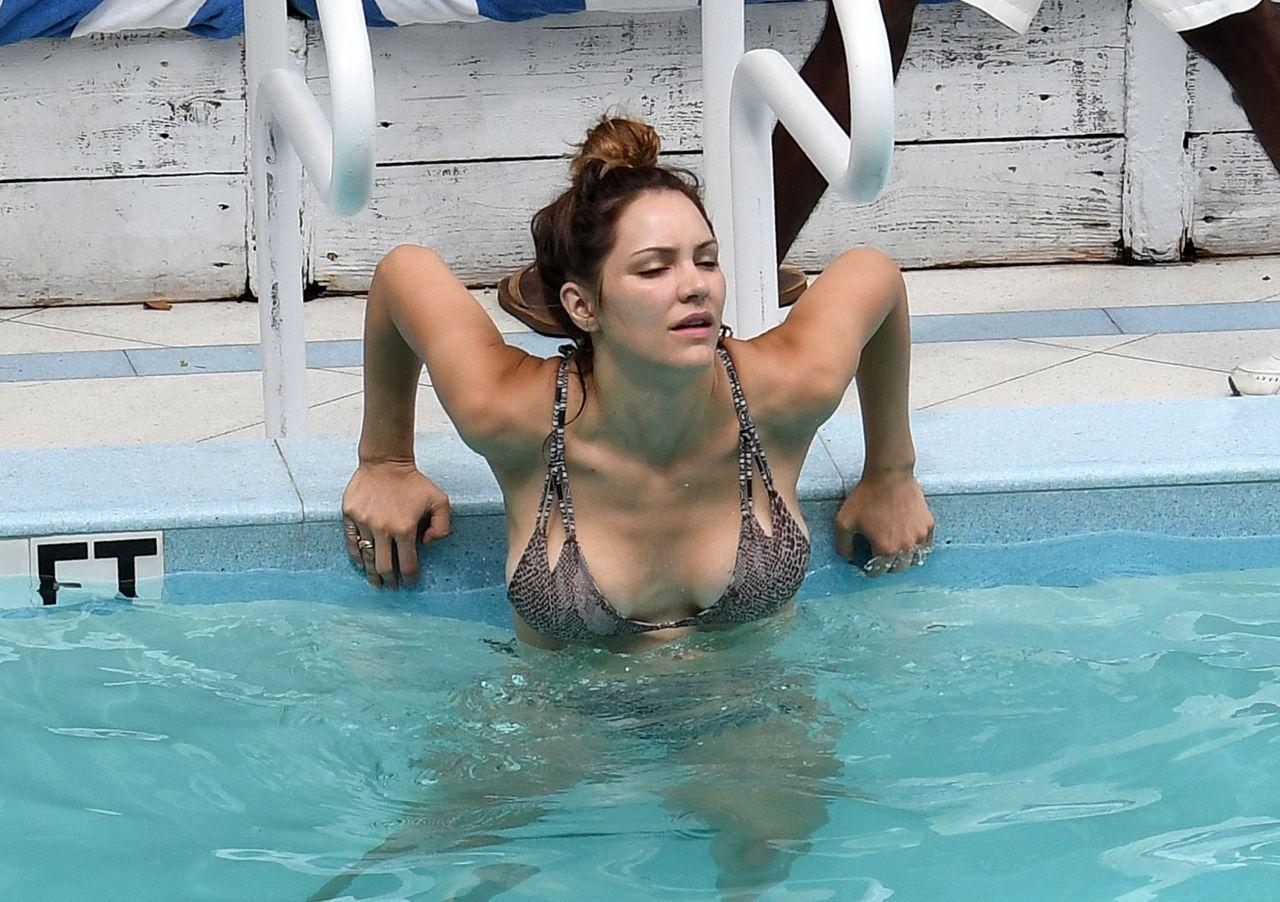 Katharine Mcphee In A Bikini By The Pool In Miami