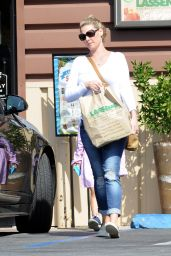 Katherine Heigl - Lunch at Messhall Kitchen Restaurant in Los Angeles 9/5/2016