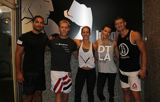 Ufc trains with the cast of arrow in vancouver september 2016