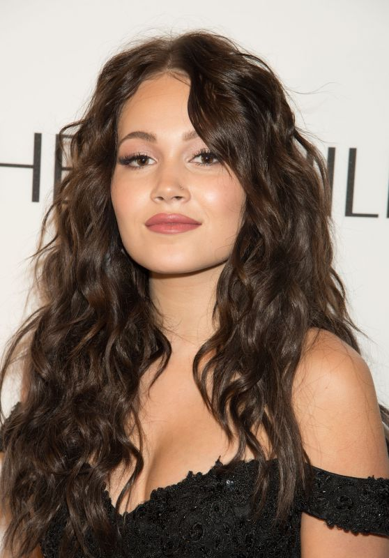 Kelli Berglund – Sherri Hill Show – 2017 S/S New York Fashion Week 09/12/2016