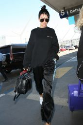 Kendall Jenner Travel Outfit - LAX Airport in Los Angeles 9/26/ 2016
