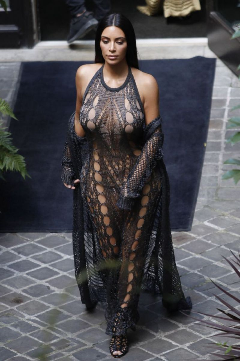 Kim Kardashian Balmain Fashion Show In Paris 9 29 2016