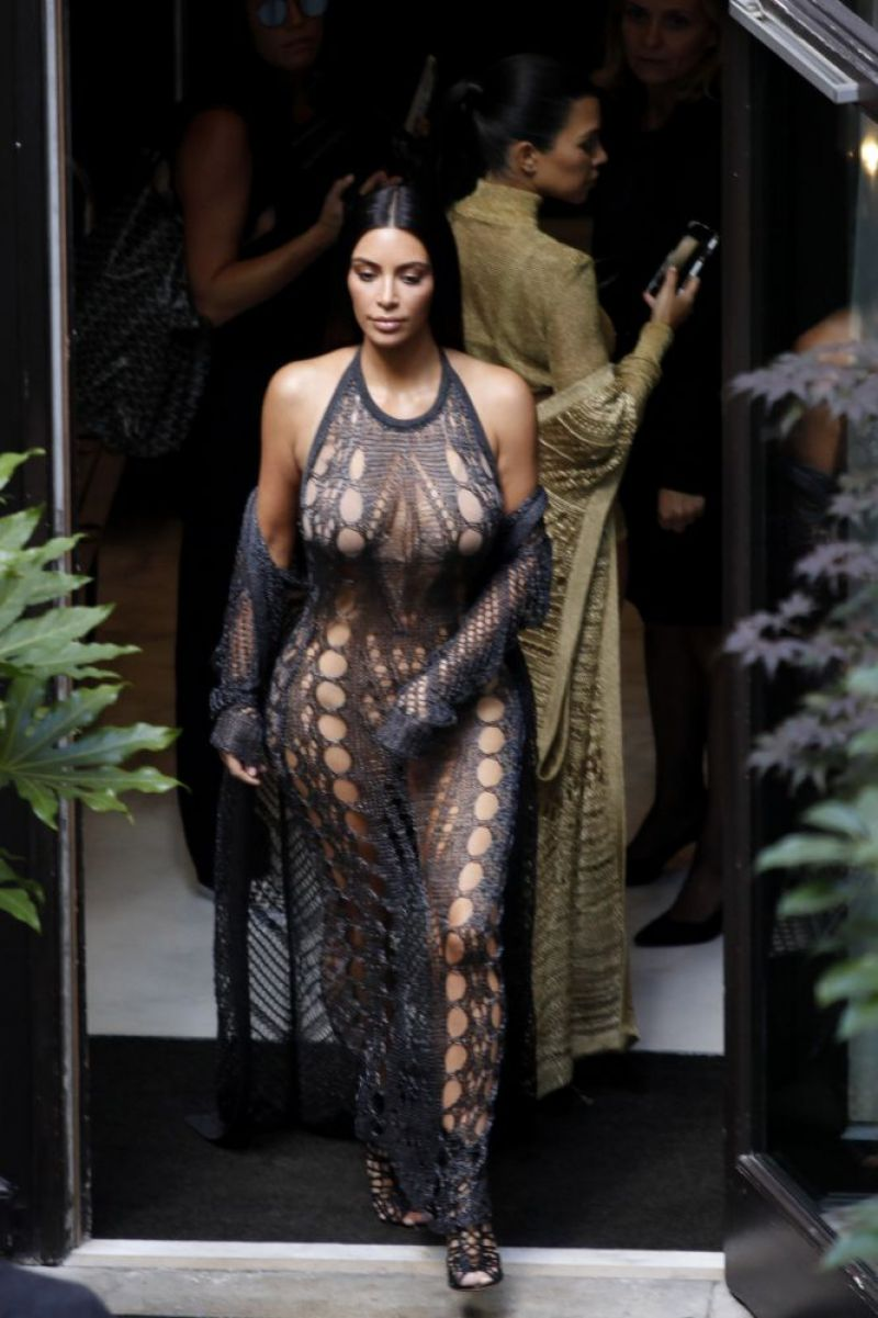 Kim Kardashian Balmain Fashion Show In Paris 9 29 2016