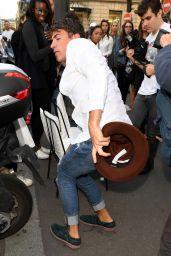 Kim Kardashian Has Her Butt Kissed by journalist Vitalii Sediuk, Paris 9/28/2016
