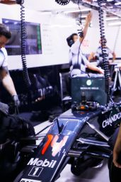 Kylie Minogue - Visits McLaren-Honda Garage at Formula 1 GP in Singapore 9/17/2016