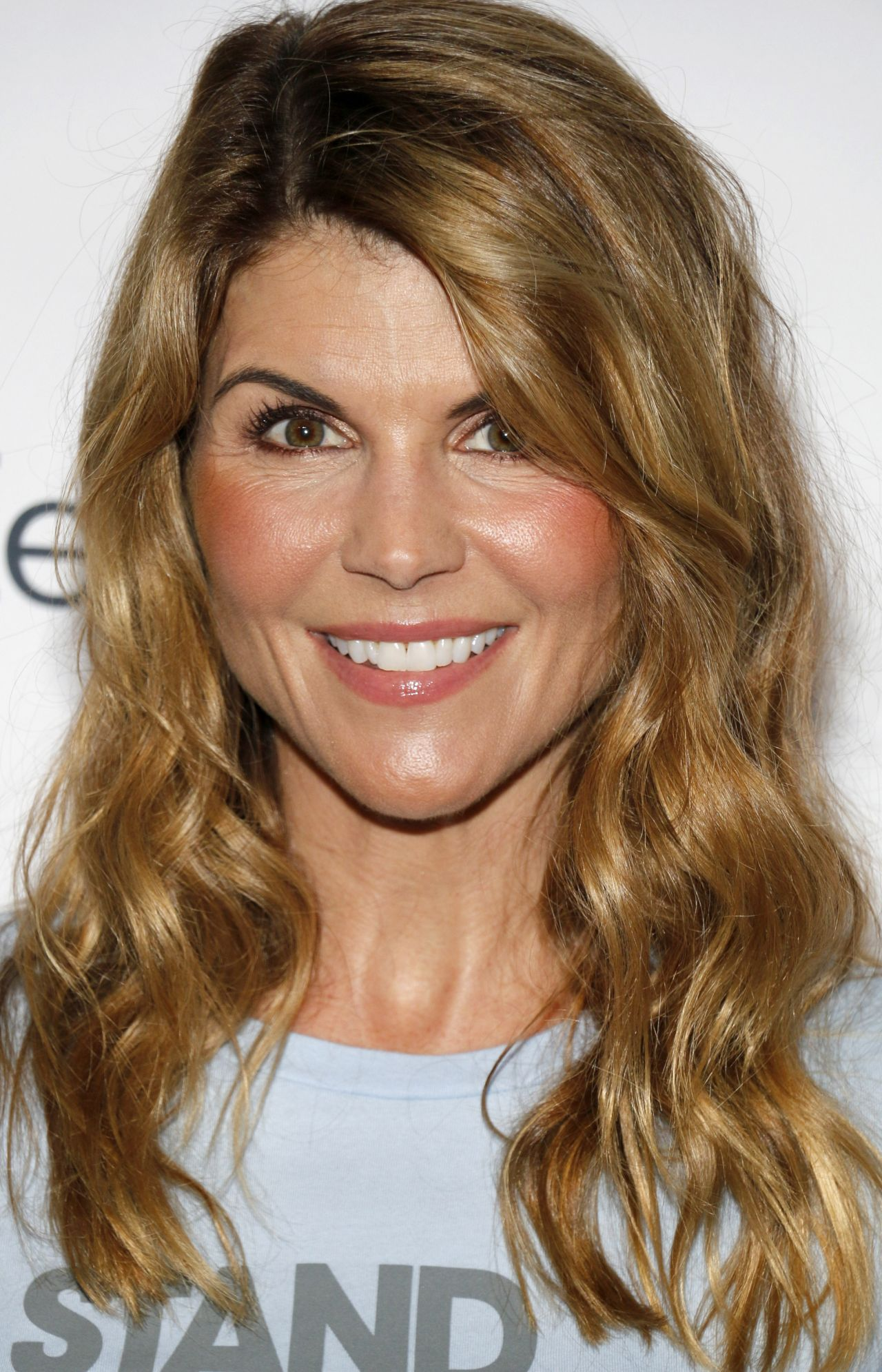 Lori Loughlin – Stand Up To Cancer at Walt Disney Concert ...