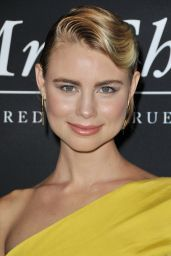 Lucy Fry -