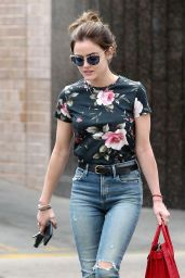 Lucy Hale Booty in Jeans - Shopping in Larchmont Village Neighborhood in LA 09/12/2016