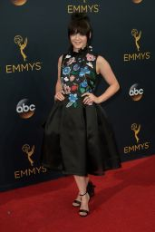 Maisie Williams – 68th Annual Emmy Awards in Los Angeles 09/18/2016