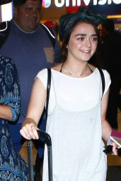 Maisie Williams - Arrives at LAX Airport in Los Angeles 9/17/2016